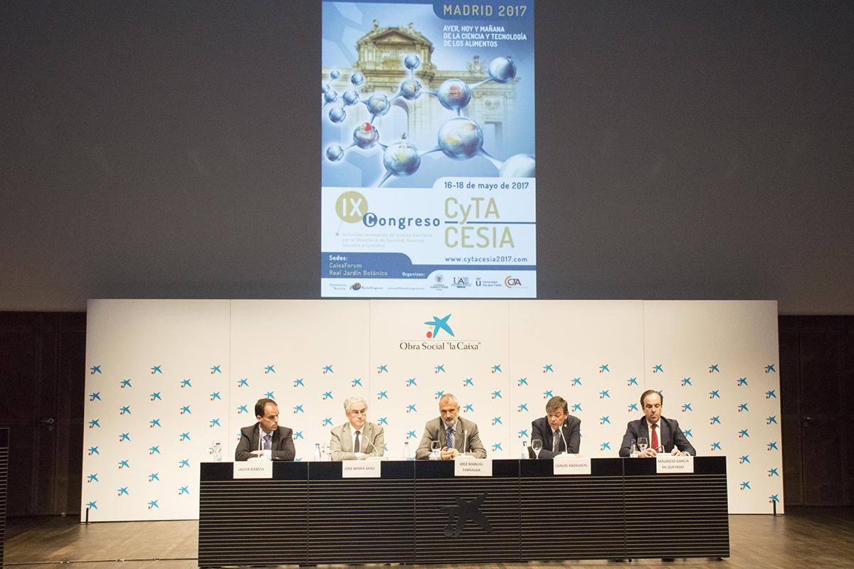 Foto: D. Javier Ramos, D. José Mª Sanz, D. José Manuel Torralba, D. Carlos Andradas y D. Mauricio Gª de Quevedo