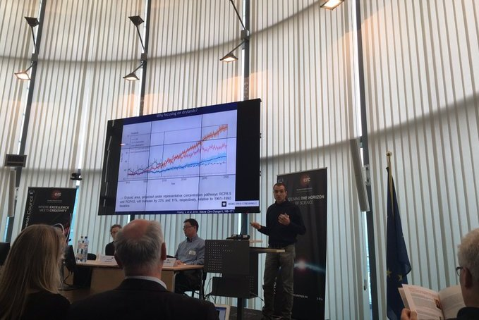 El Dr. Fernando Maestre participa en un encuentro sobre cambio climático en la sede del Consejo Superior de Investigación