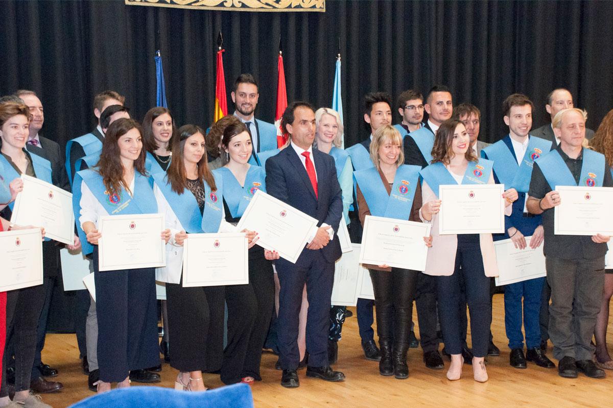 Entrega de Premios Extraordinarios Fin de Grado y Doctorado del curso 2015-2016